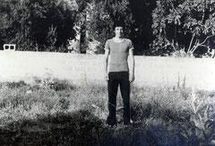 Nazilli Lisesi 2. Sınıf Atletizm takımı için antrenmanda (1976)