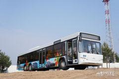 В салоне автобуса установлены 32 кресла с высокой спикой
