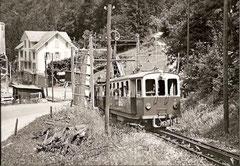 Klappbrücke von Grünenwald mit Be 2/4 11 und HGe 2/2 1961