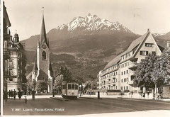 Pauluskirche mit Pilatus mit Tram Nr. 12