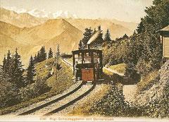 Rigi-Scheideggbahn mit Berneralpen
