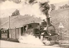 """HG 2/4 Nr. 6 """"Säntis"""" im Zahnstangenabschnitt Strhlholz ob Bühler um 1910"""
