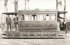 Drucklufttram 1 von 1890 beim Bärengraben (Führerstand mit Ventilen)