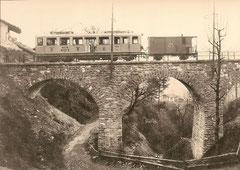 BCFeh 4/4 2 + FZ 21 auf der Brücke von Chemex um 1908