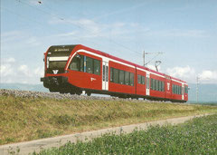 Veirteiliger Gelenktriebwagen RABe 526 286 am 15. 8. 2004 in Aefligen