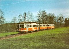 SNB BDe 4/4 85 + B 20 + OJB B 18 am 18. 4. 1982 bei Sängi