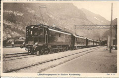 Lötschbergexpress in Station Kandersteg