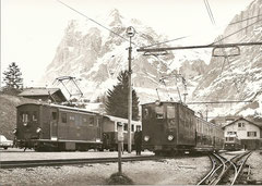 BOB HGe 3/3 22 + WAB He 2/2 51 in Grindelwald am 20. 4. 1975