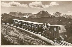 Brienzer Rothornbahn mit Blick auf die Berner Hochalpen