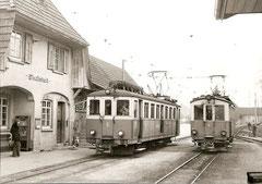 BDe 4/4 6 + BDe 4/4 9 auf der Kreuzung Wiedlisbach am 18. 3. 1973