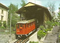 Wagen 1 vor der Bergstation am 5. 5. 1983