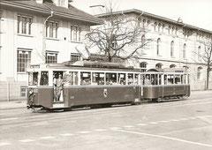 Be 4/4 174 + B2 239 am  Guisanplatz am 23. 4. 1973