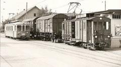 Be 4/4 8 neben Güterzug mit De 4/4 46 AM 2. 8. 1974 in Muhen