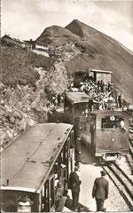 Bahnstation und Rothorn Kulm 2349 m, gestempelt 4. 8. 1954