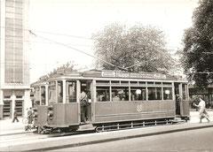 Ce 2/3 auf dem Bahnhofplatz, 1948
