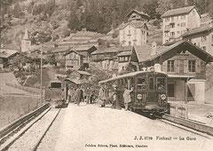 Bahnhof Finhaut mit Lokomotive HG 2/2 1 und BCFeh 11
