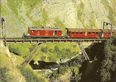 HGe 4/4 37 auf der Steffenbach-Brücke am 16. 9. 1980
