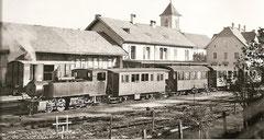 G 2x2/2 in Saignelégier um 1940, Personenwagen z. T. von der MOB