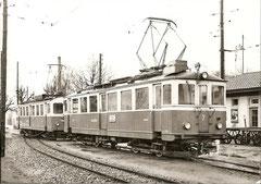 BDe 4/4 7 + BDe 4/4 3 SNB in Langenthal am 12. 4. 1963
