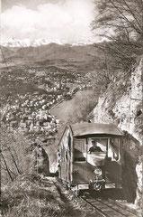 Bahn mit Blick auf Lugano