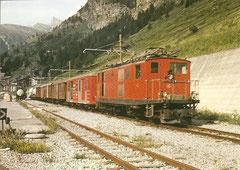 HGe 4/4 16 mit Post- und Güterwagen am 31. 7. 1981 in Zermatt