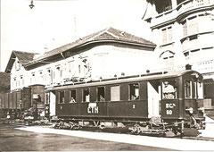 BCe 2/4 60 von 1913 abfahrbereit in Tavannes um 1930