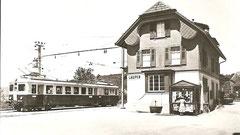 CFe 2/4 101 im Bahnhof Laupen