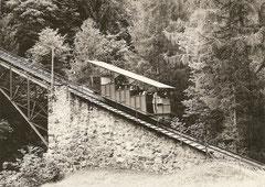 Wagen 2 oberhalb der Kreuzungslinie am 27. 8. 1979