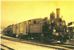 Lok 3 vor Güterzug
