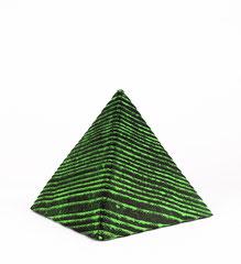 Lebenslinie III / 2020 / 8 x 8 x 8 cm / Eschenholz geflammt, Oelfabe