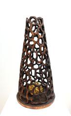 Verhüllt I / 2017 / 27 x 27 x 48 cm / Pappelholz geflammt