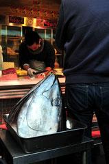 Tsukiji Fish Market - Yokyo