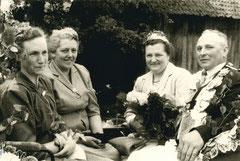Elisabeth Schwitte, Johanna Krasenbrink, Else Osterholt, König Heinrich Krasenbrink