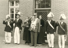 Adjudant Josef Thesing, Oberst Werner Deitert, Josefa Thesing, König Bernhard Hessing, Maria Sicking-Heming, Major Willi Temming, Adjudant Bernhard Essmann