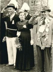 Oberst Werner Deitert, Margarete Göntgens, König Bernhard Bönning