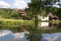 Die Hammermühle, herrlich am Ufer der Wiesent gelegen