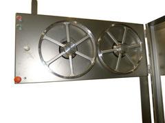 Um das Sägeband zu schonen ist ein Rollendurchmesser von 400 mm erforderlích, bei kleinerem  Durchmesser bricht das Sägeband durch die extreme Biege-Wechselbeanspruchung schnell.