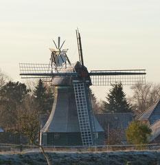 Hemmingstedt - 21.11.2013  Die Mühle Margaretha  (steht seit 1981 unter Denkmalschutz)   hier noch vor dem Sturm Christian