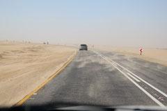 Sandsturm auf der Strasse von Swakopmund
