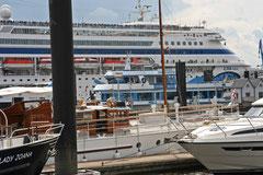 """""""Veneitä"""" Hampurin Citysporthafenissa"""