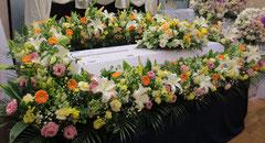 無宗教葬儀の花祭壇 KAWA