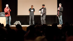 Amitabh Banerji und Johannes Kretzschmar zwischen den Moderatoren Alex Dreppec und Axel Röthemeyer (Foto: Marc Mandel)