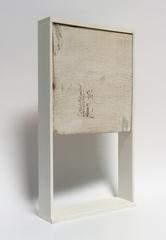 o. T., 2018 (Holz, Kunststoff, 42 x 23 x 6,5 cm)