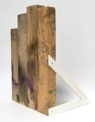 o. T., 2018 (Holz, Kunststoff, 38 x 24 x 20,5 cm)
