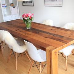 Wunderschöner Esstisch aus Altholz