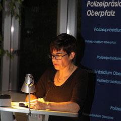 Carola Kupfer liest bei der Regensburger Kriminacht aus Johanna und der Medici-Schatz Foto: Koob
