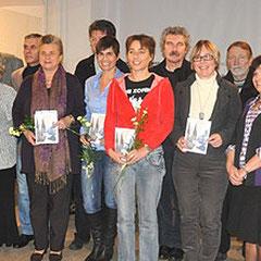 Grenzübergreifendes Projekt: Der Ostbayerische Schriftstellerverband präsentiert gemeinsam mit dem Westböhmischen Schriftstellerverband am 28. Oktober 2012 den Literarischen Kalender 2013 in Pilsen, Nationalgalerie.