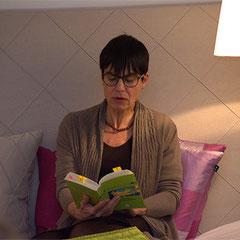 """""""Wie man sich bettet, so liest man"""" Lesung am Valentintag 2016 bei Fennobed in Regensburg"""
