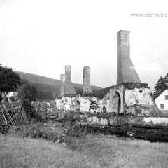 Ein Brand zerstörte 1936 in Friedrichshütten einige Häuser, nur die Kamine blieben stehen.