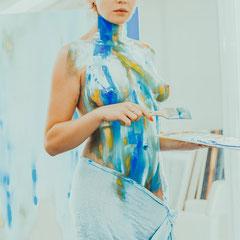 Kunst online kaufen, Onlinegalerie, Bodyart, Wallart, Nude art, Bodypainting, selfpainting Nude female art,  Kunst online kaufen, erotische Kunst, Nackte Selbstdarstellung,  Kunst kaufen, Teil eines Kunstprojektes, be part of art, be nude and free